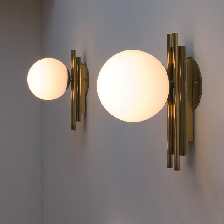 Pair of Italian Globe Wall Lights, 1950 For Sale 4