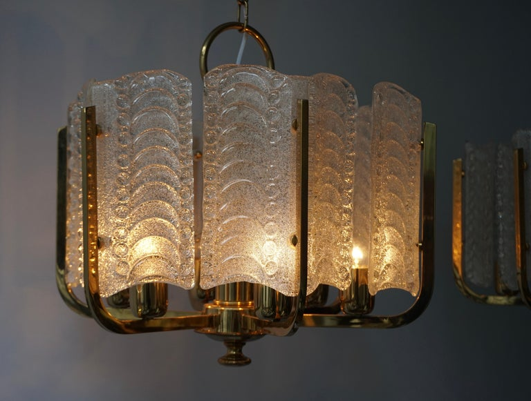 Pair of Italian Golden Brass and Murano Glass Pendant Lights For Sale 8