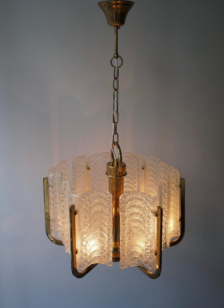 Pair of Italian Golden Brass and Murano Glass Pendant Lights For Sale 9