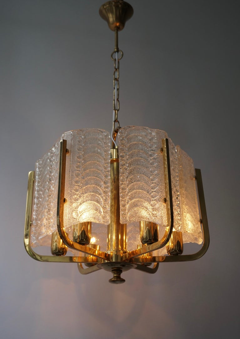 Pair of Italian Golden Brass and Murano Glass Pendant Lights For Sale 10