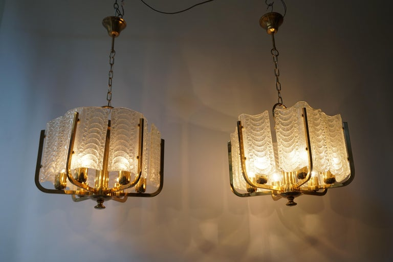 Pair of Italian Golden Brass and Murano Glass Pendant Lights For Sale 11