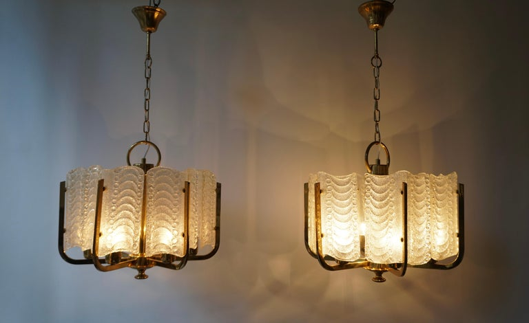 Pair of Italian Golden Brass and Murano Glass Pendant Lights For Sale 12