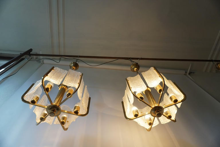 Pair of Italian Golden Brass and Murano Glass Pendant Lights For Sale 13