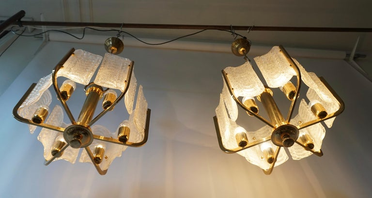 Pair of Italian Golden Brass and Murano Glass Pendant Lights For Sale 14