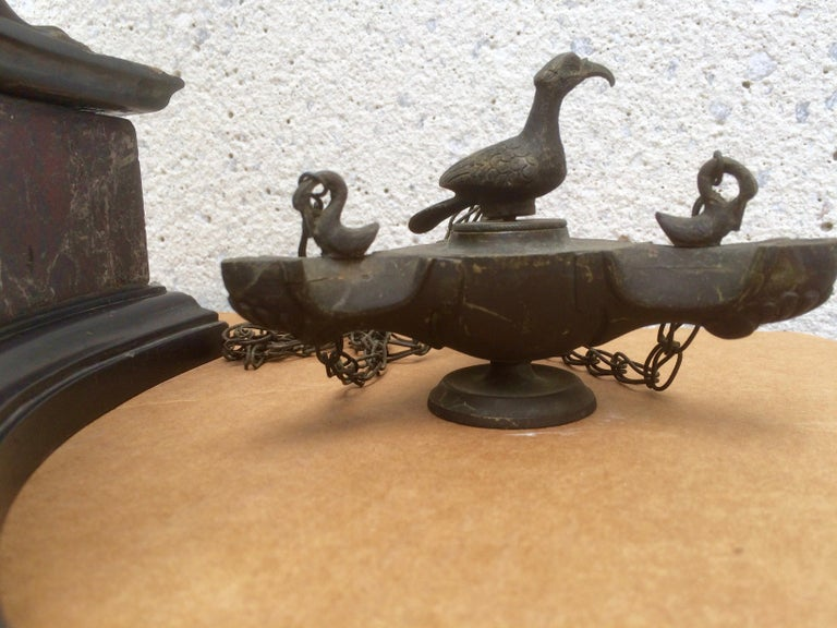 Pair of Italian Grand Tour Bronze Oil Lamps on Marble Bases For Sale 6