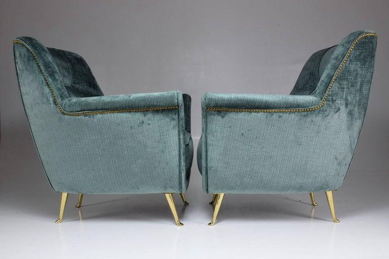 Pair of Italian Midcentury Armchairs by ISA Bergamo, 1950s For Sale 3