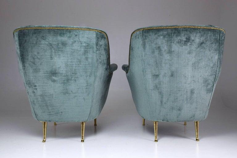 Pair of Italian Midcentury Armchairs by ISA Bergamo, 1950s For Sale 4