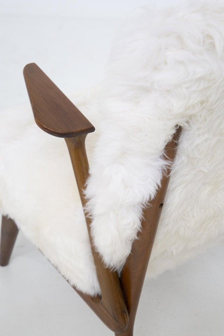 Fur Pair of Italian Leather Armchairs Attributed to Giuseppe Scapinelli For Sale