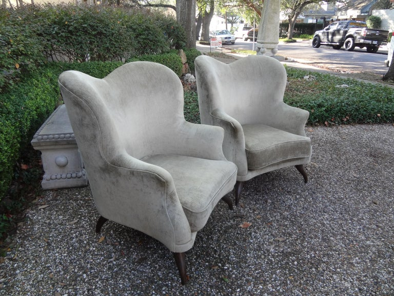 Mid-Century Modern Pair of Italian Lounge Chairs Attributed to Paolo Buffa For Sale
