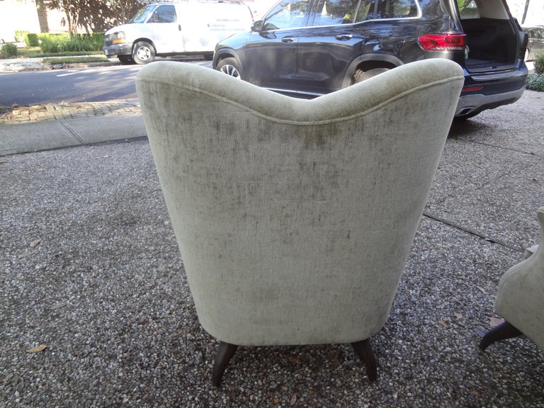 Pair of Italian Lounge Chairs Attributed to Paolo Buffa For Sale 2