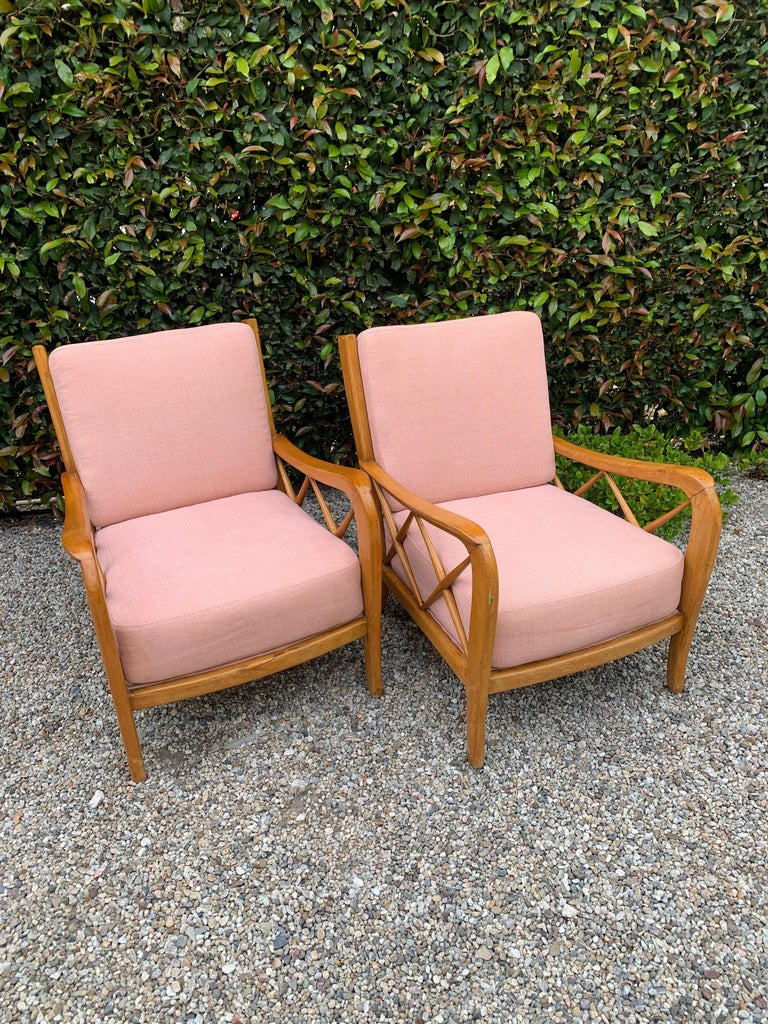 Mid-Century Modern Pair of Italian Lounge Chairs by Paolo Buffa For Sale