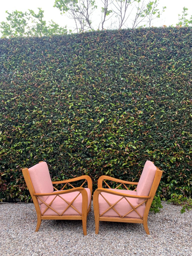 Linen Pair of Italian Lounge Chairs by Paolo Buffa For Sale