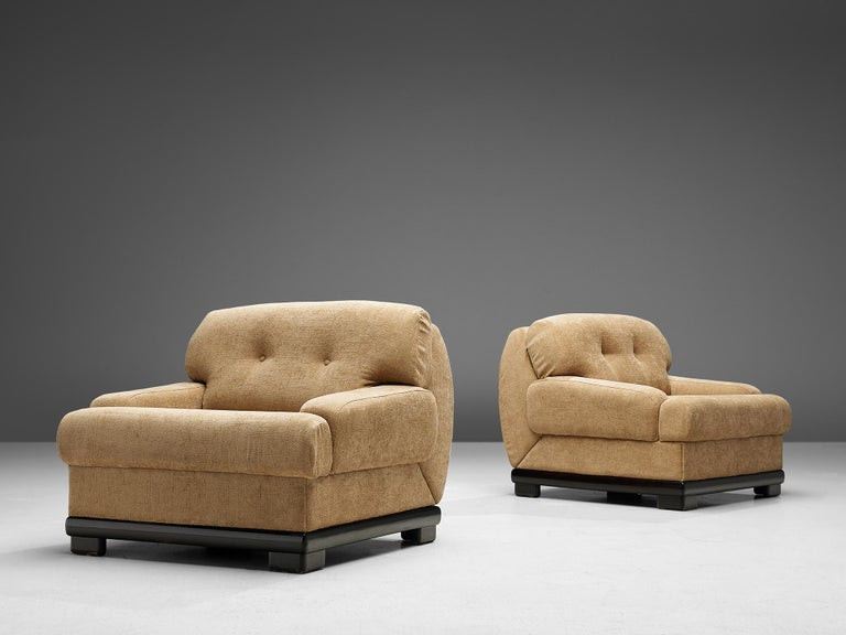 Mid-Century Modern Pair of Italian Lounge Chairs For Sale