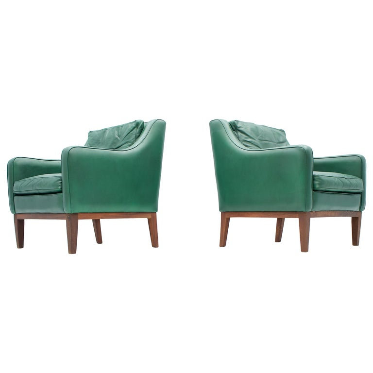 Pair of Italian Lounge Chairs in Green Leather, 1958 For Sale