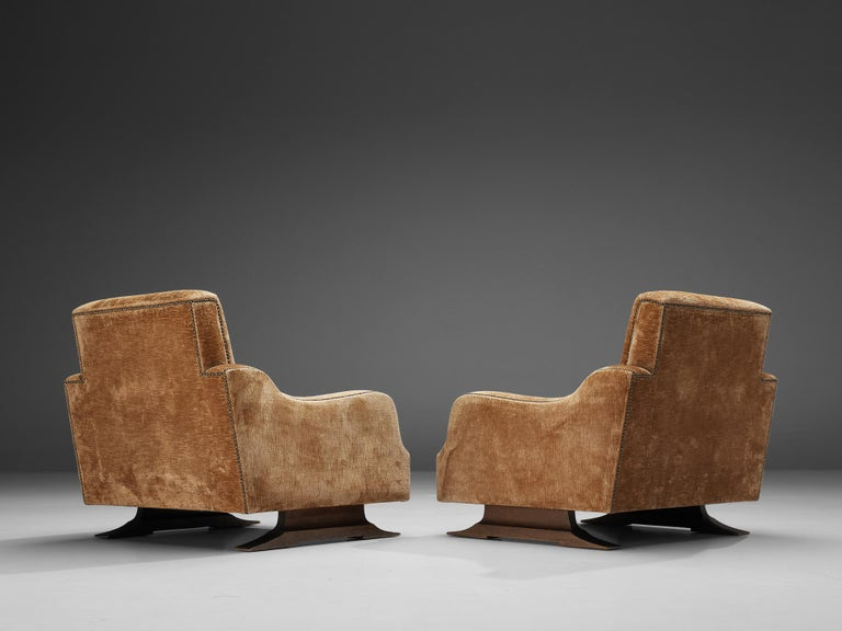 Pair of Italian Lounge Chairs in Velvet Upholstery In Good Condition For Sale In Waalwijk, NL