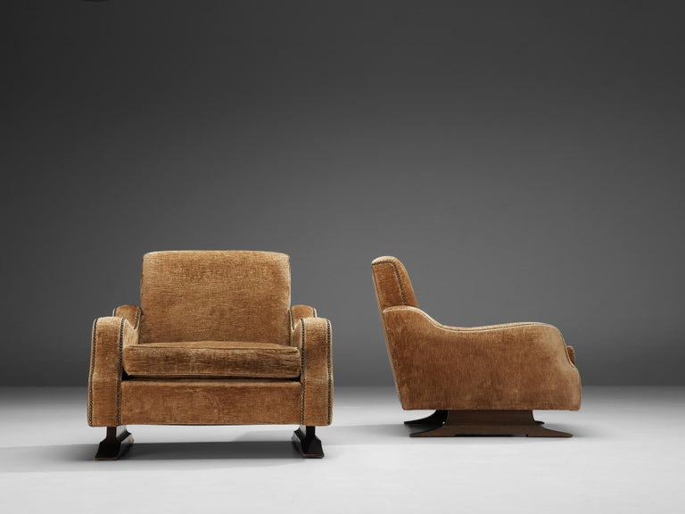Pair of Italian Lounge Chairs in Velvet Upholstery For Sale 2