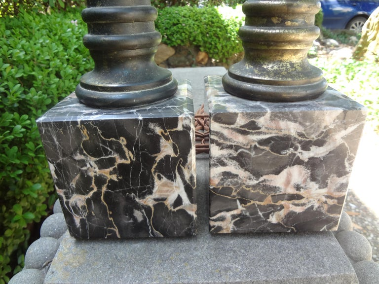 Hollywood Regency Pair of Italian Marble and Tole Column Lamps For Sale