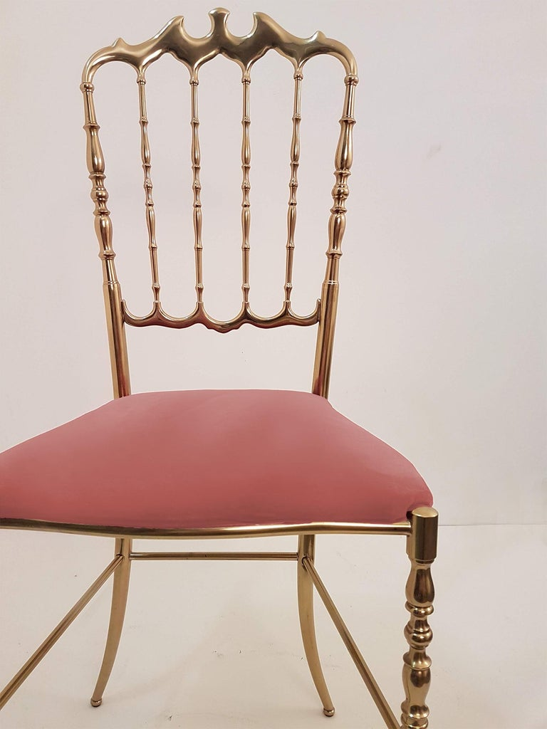 Pair of Italian Massive Brass Chairs by Chiavari, Upholstery Pink Velvet For Sale 1