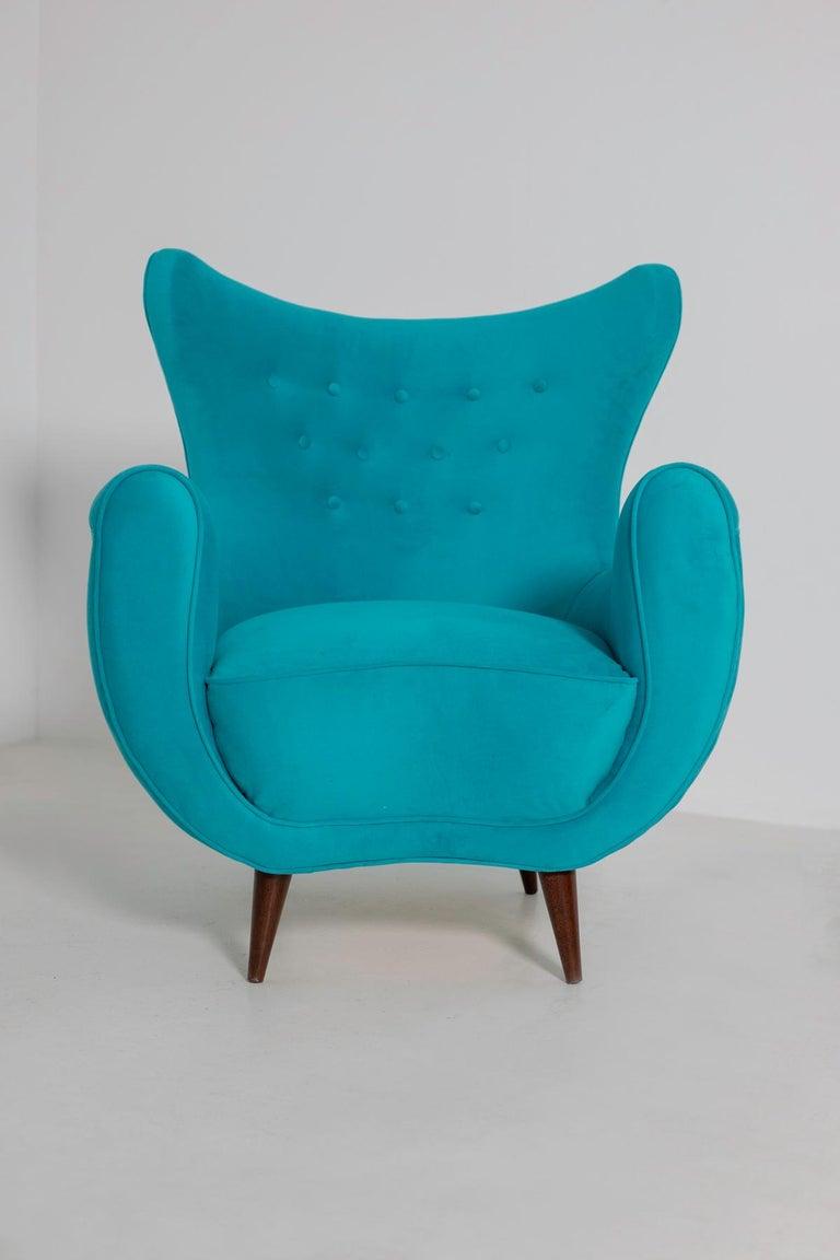 Pair of Italian Midcentury Armchair in Light Blue Velvet, 1950s For Sale 5