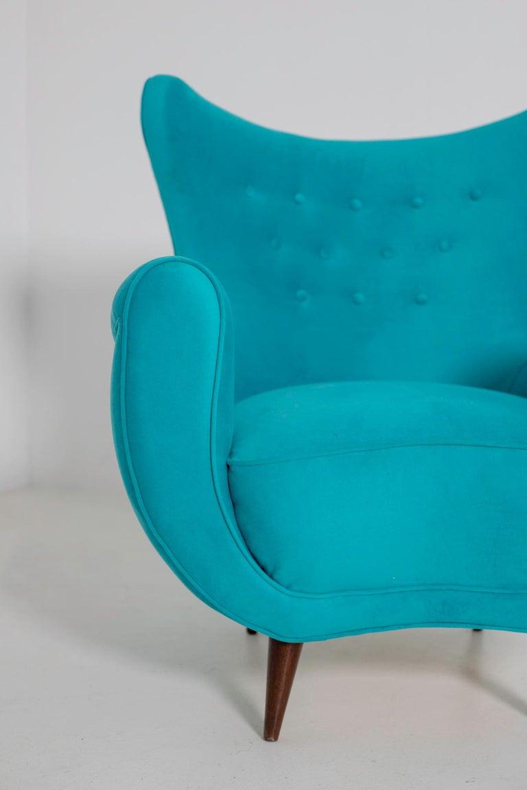 Pair of Italian Midcentury Armchair in Light Blue Velvet, 1950s For Sale 3