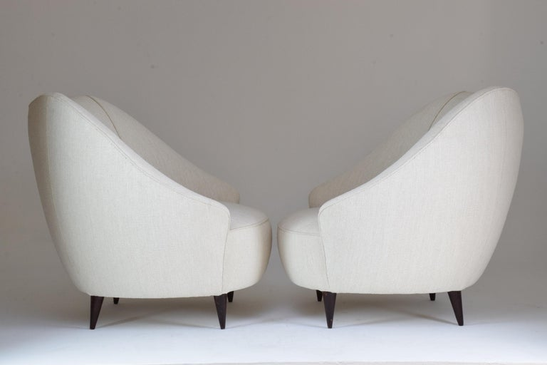 Pair of Italian Midcentury Armchairs Attributed to Gio Ponti, 1950s For Sale 1