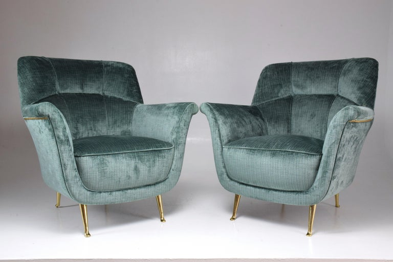 Pair of Italian Midcentury Armchairs by ISA Bergamo, 1950s In Good Condition For Sale In Paris, FR