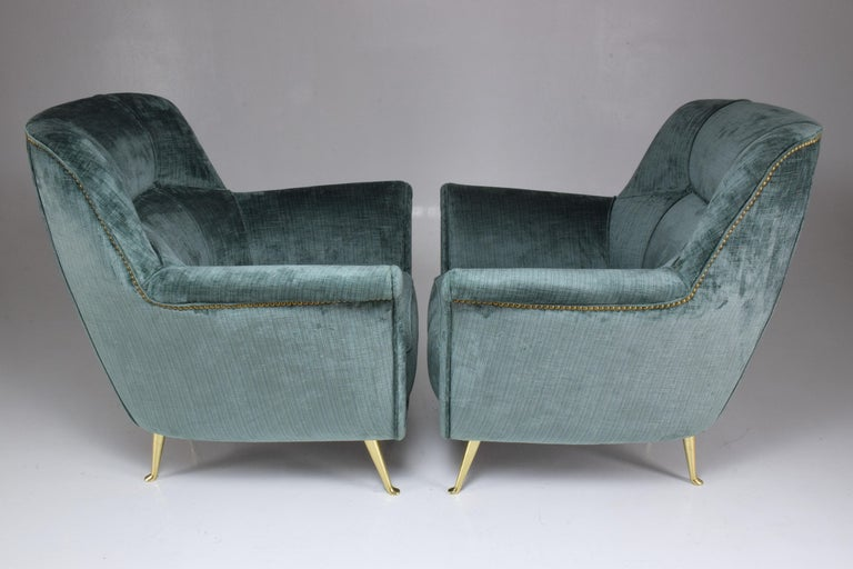 Pair of Italian Midcentury Armchairs by ISA Bergamo, 1950s For Sale 1
