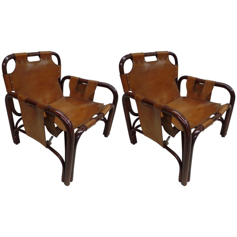 Pair of Italian Mid-Century Modern Bamboo and Leather Lounge Chairs by Bonacina For Sale
