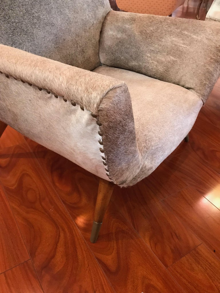Pair of Italian Mid-Century Modern Club Chairs Covered in Cowhide For Sale 6