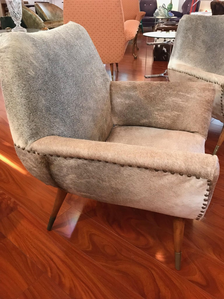 Pair of Italian Mid-Century Modern Club Chairs Covered in Cowhide For Sale 7