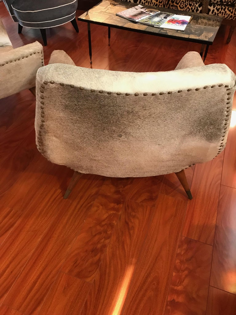 Pair of Italian Mid-Century Modern Club Chairs Covered in Cowhide For Sale 8