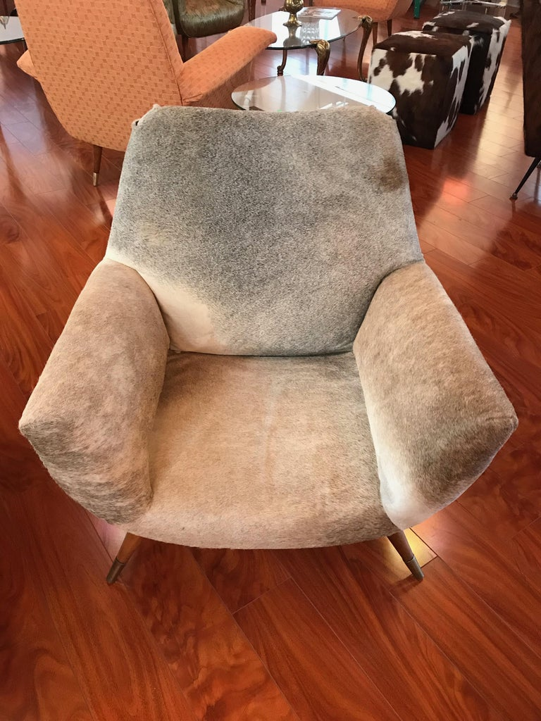 Pair of Italian Mid-Century Modern Club Chairs Covered in Cowhide For Sale 1