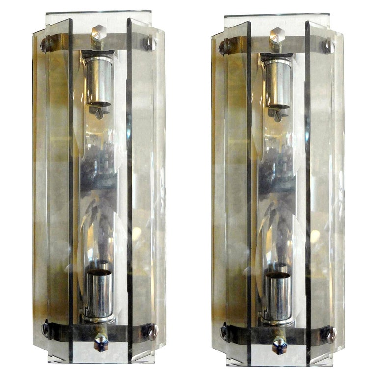 Great pair of Max Ingrand for Fontana Arte style modernist Italian glass sconces with two beveled smoked glass panels on either side with a beveled clear glass central panel by Veca, Milano. These Murano glass sconces are newly wired for the U.S.