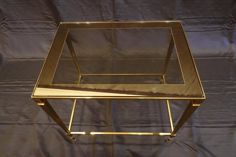 Brass Pair of Italian Mid-Century Modern Side Tables with Glass and Mirrored Tops For Sale