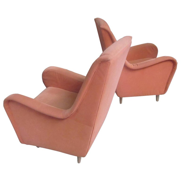 Pair of Italian Mid-Century Modern Wing Back Lounge Chairs by Paolo Buffa For Sale