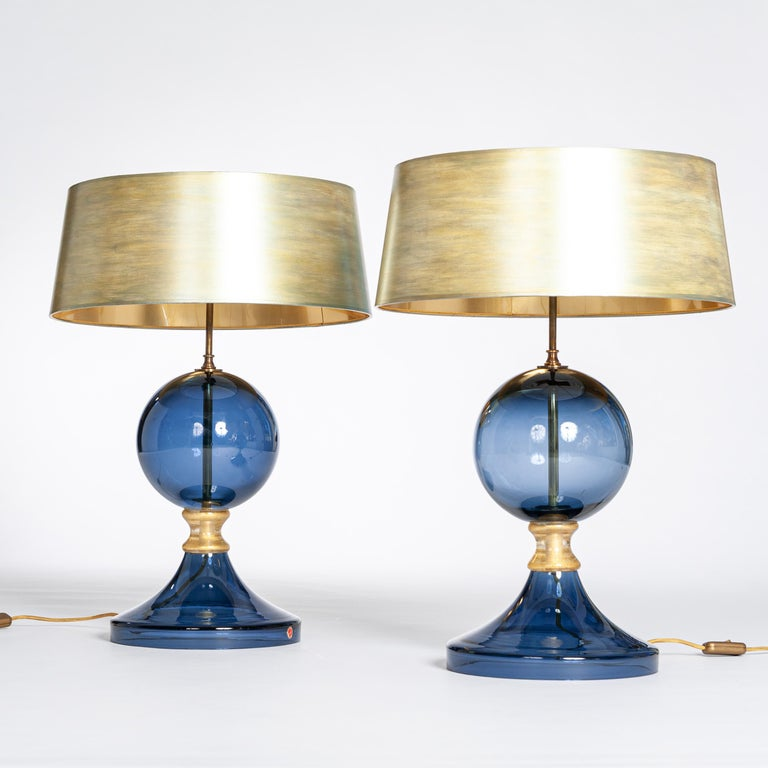 Pair of Italian Mid-Century Murano Glass Table Lamps Blue-Gold Colored In Good Condition For Sale In Salzburg, AT