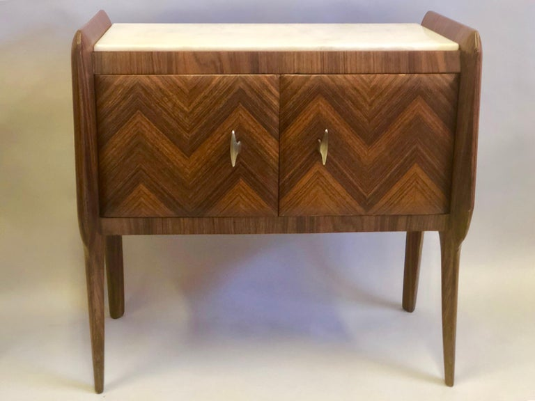 20th Century Pair of Italian Midcentury Nightstands/End Tables Attributed to Osvaldo Borsani For Sale