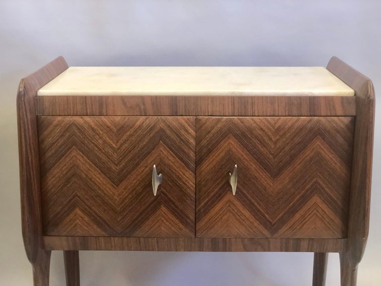 Mahogany Pair of Italian Midcentury Nightstands/End Tables Attributed to Osvaldo Borsani For Sale