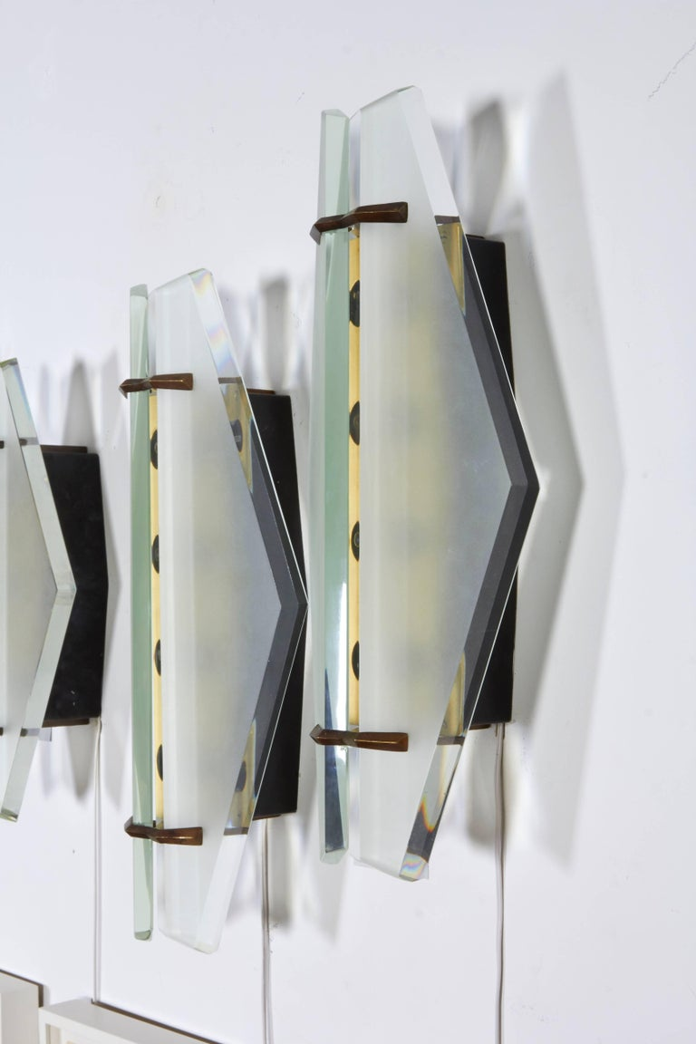 Beveled Pair of Italian Midcentury Sconces Attributed to Max Ingrand for Fontana Arte For Sale