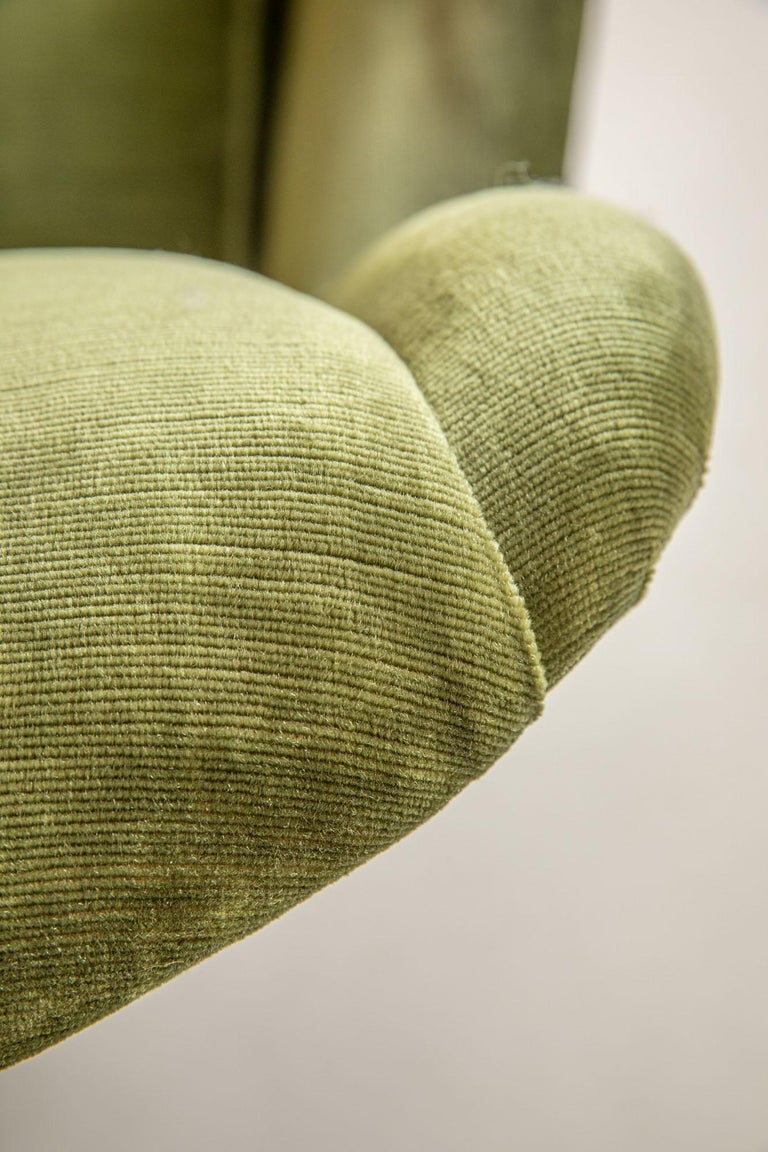 Pair of Italian Midcentury Armchairs by Isa For Sale 5
