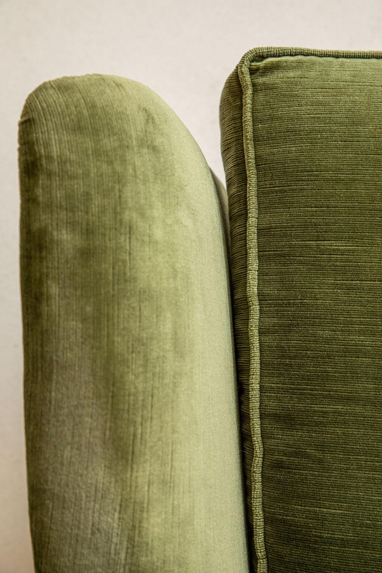 Pair of Italian Midcentury Armchairs by Isa For Sale 6