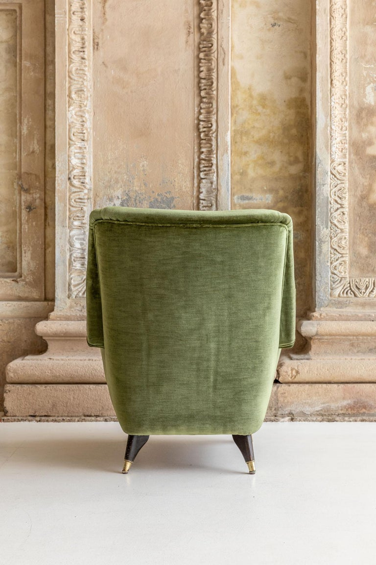 Pair of Italian Midcentury Armchairs by Isa For Sale 10
