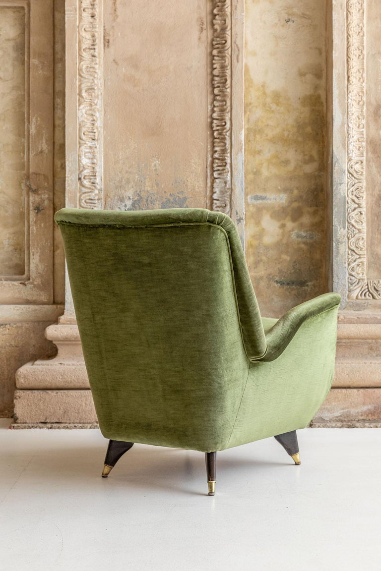 Pair of Italian Midcentury Armchairs by Isa For Sale 11