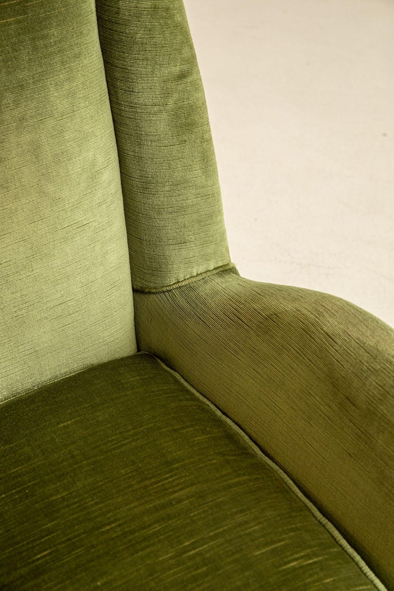Pair of Italian Midcentury Armchairs by Isa For Sale 1