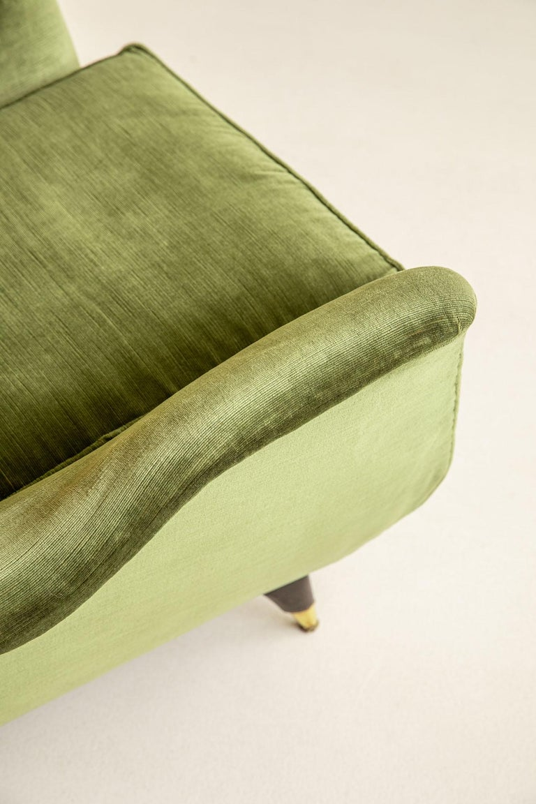 Pair of Italian Midcentury Armchairs by Isa For Sale 2