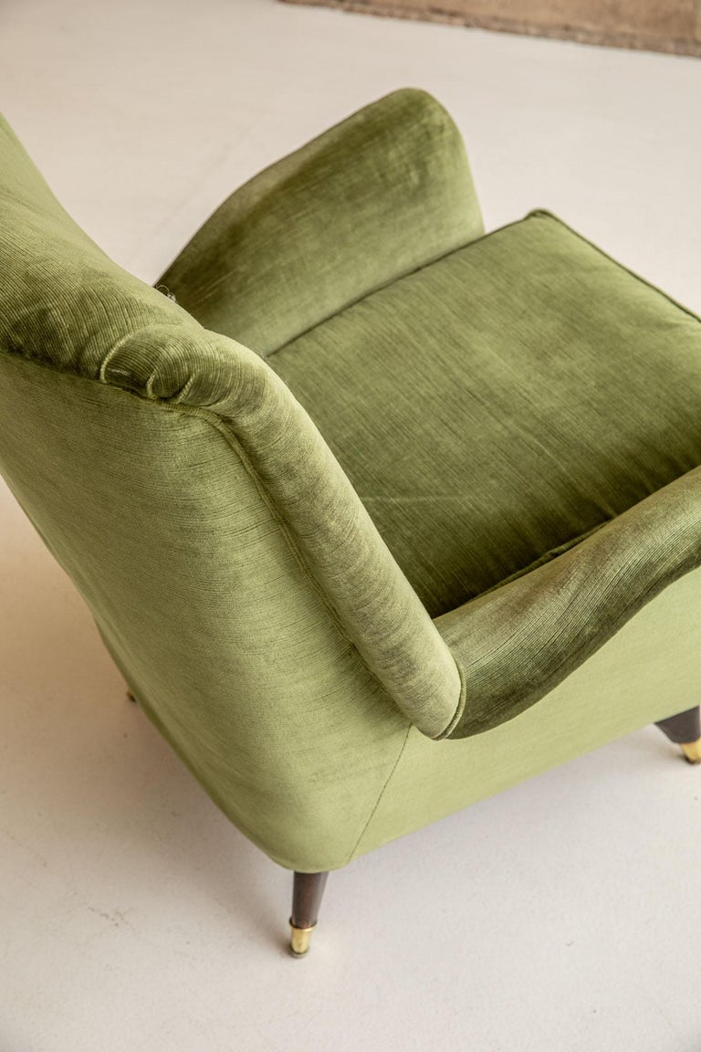 Pair of Italian Midcentury Armchairs by Isa For Sale 3