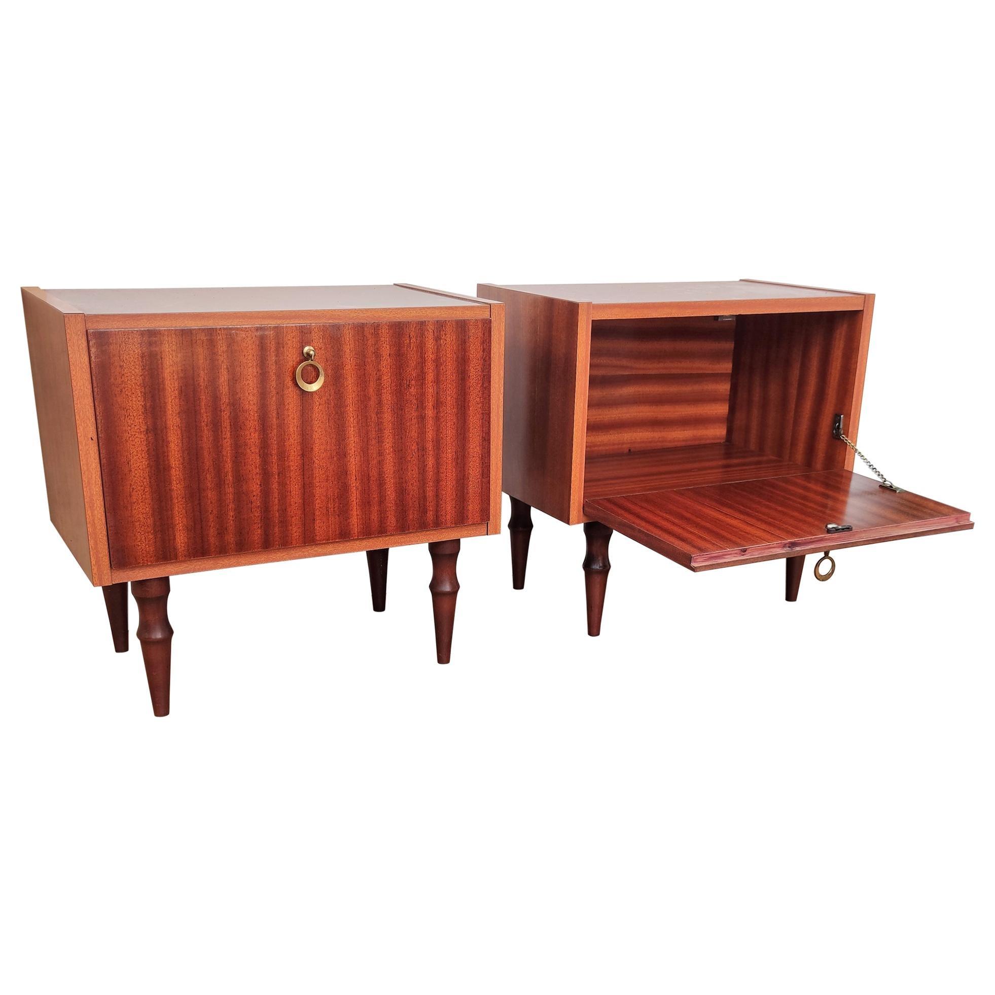 Pair of Italian Midcentury Art Deco Nightstands Bedside Tables Veneer Walnut