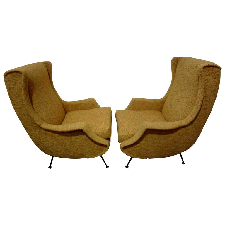Pair of Italian Midcentury Lounge Chairs Inspired by Minotti For Sale
