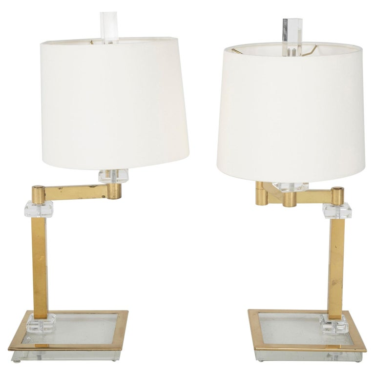 Pair of Italian Midcentury Lucite and Brass Adjustable Swing Lamps For Sale