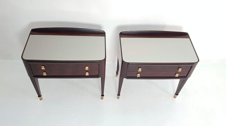 Pair of Italian Midcentury Nightstands in Mahogany and Brass In Good Condition For Sale In Albano Laziale, Rome/Lazio